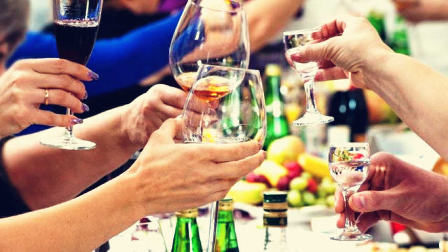 10 Tips For Drinking Without Getting a Hangover